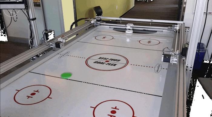 Windows 10 IdO Core : une table de hockey robotique