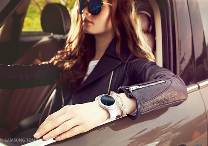 Samsung Gear S2 : une smartwatch ronde avec un bague tournante
