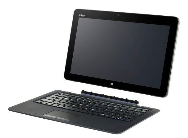 Fujitsu Stylistic R726 : on enlève la tablette du dock