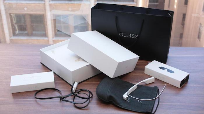Google Glass 2 : deux modèles, l'un avec écran et un sans