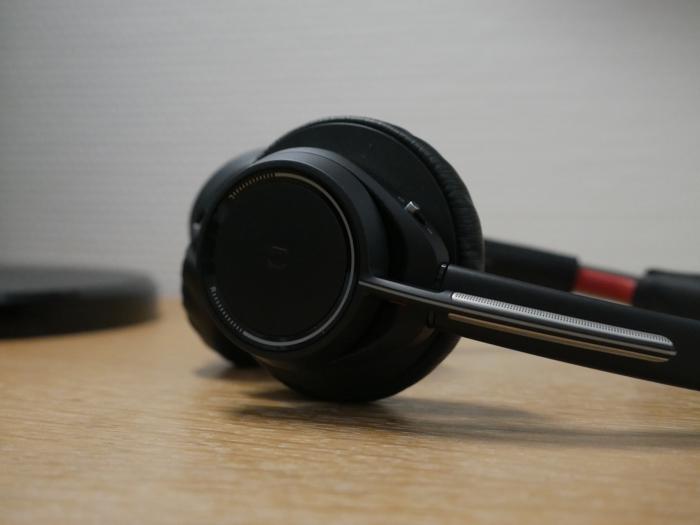 Plantronics Voyager Focus UC : oreillette droite