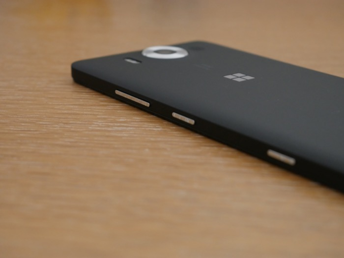 Microsoft Lumia 950 : tranche latérale droite