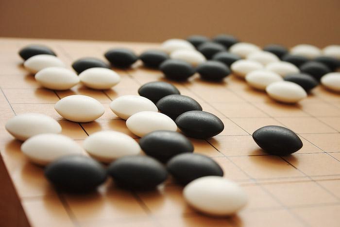 Lee Sedol, champion du monde du jeu de Go, et l'IA de Google, en live sur YouTube