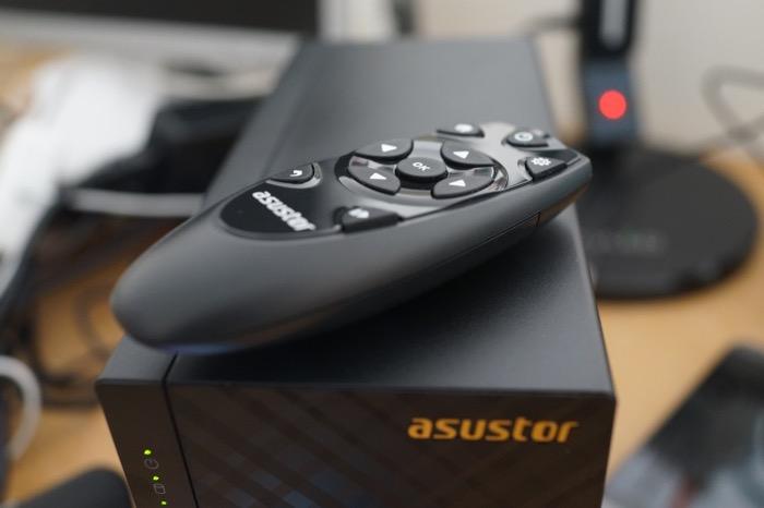 NAS Asustor AS3102T : télécommande