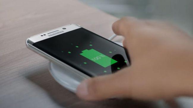 Galaxy S7 Edge : tapis de recharge sans fil
