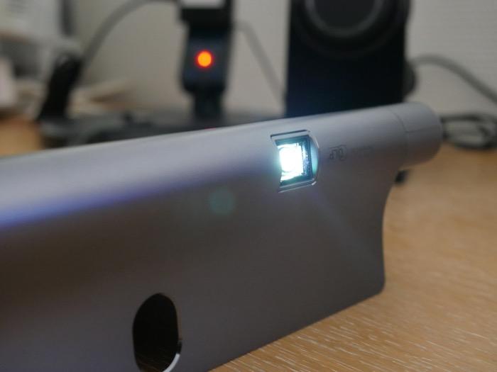 Lenovo YOGA Tab 3 Pro : picoprojecteur