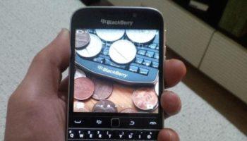 BlackBerry Classic : un écran 720 x 720 px, et un clavier QWERTY