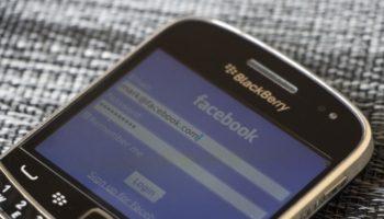 Facebook rejoint WhatsApp et abandonne le support à BlackBerry