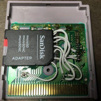 Game Boy Zero : une cartouche Game Boy avec une carte micro SD