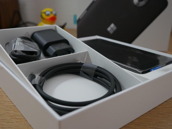 Microsoft Lumia 950 : boîte