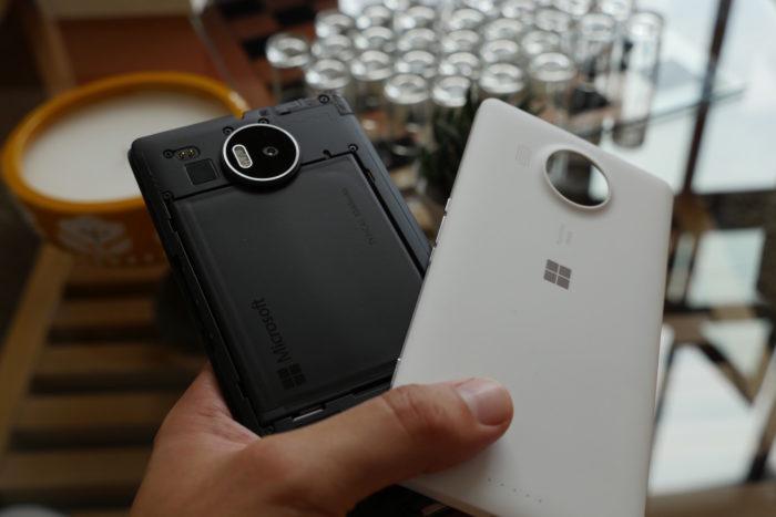 Microsoft Lumia 950 XL : la coque arrière se retire