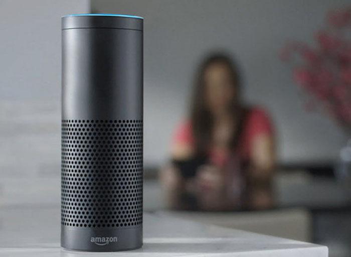Actuellement seul le Echo d'Amazon prend en charge Alexa