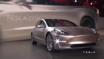 08400296-photo-tesla-model-3-unveil