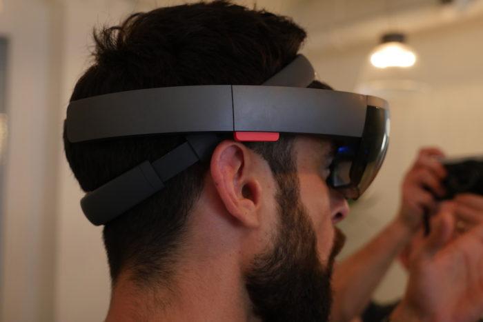 Microsoft HoloLens : le casque est parfaitement positionné sur la tête