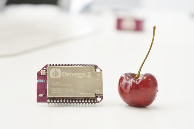 Le Onion Omega2 est plus petit qu'un Raspberry Pi