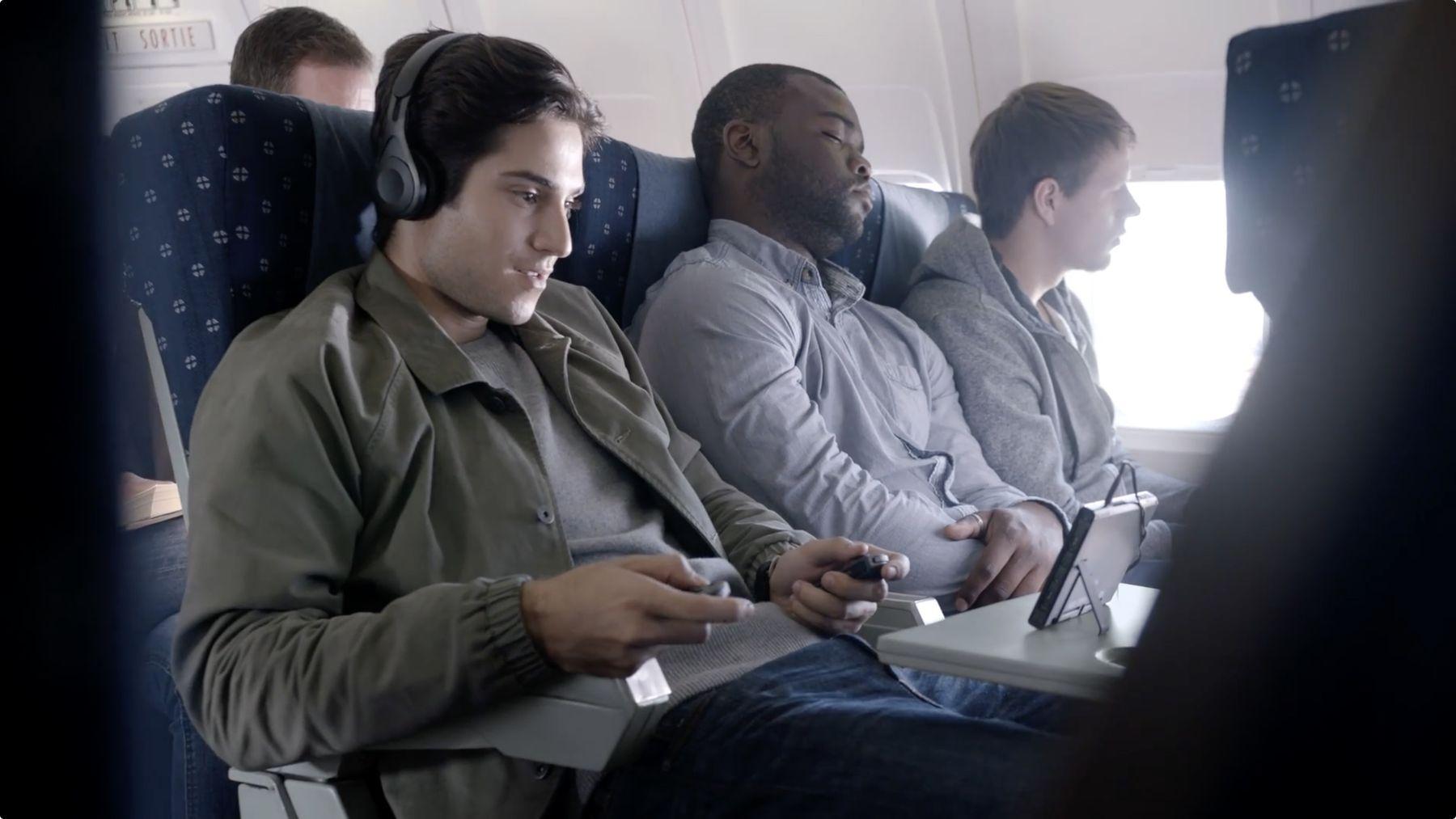 N'hésitez pas à détacher vos contrôleurs Joy-Con de votre console Nintendo Switch