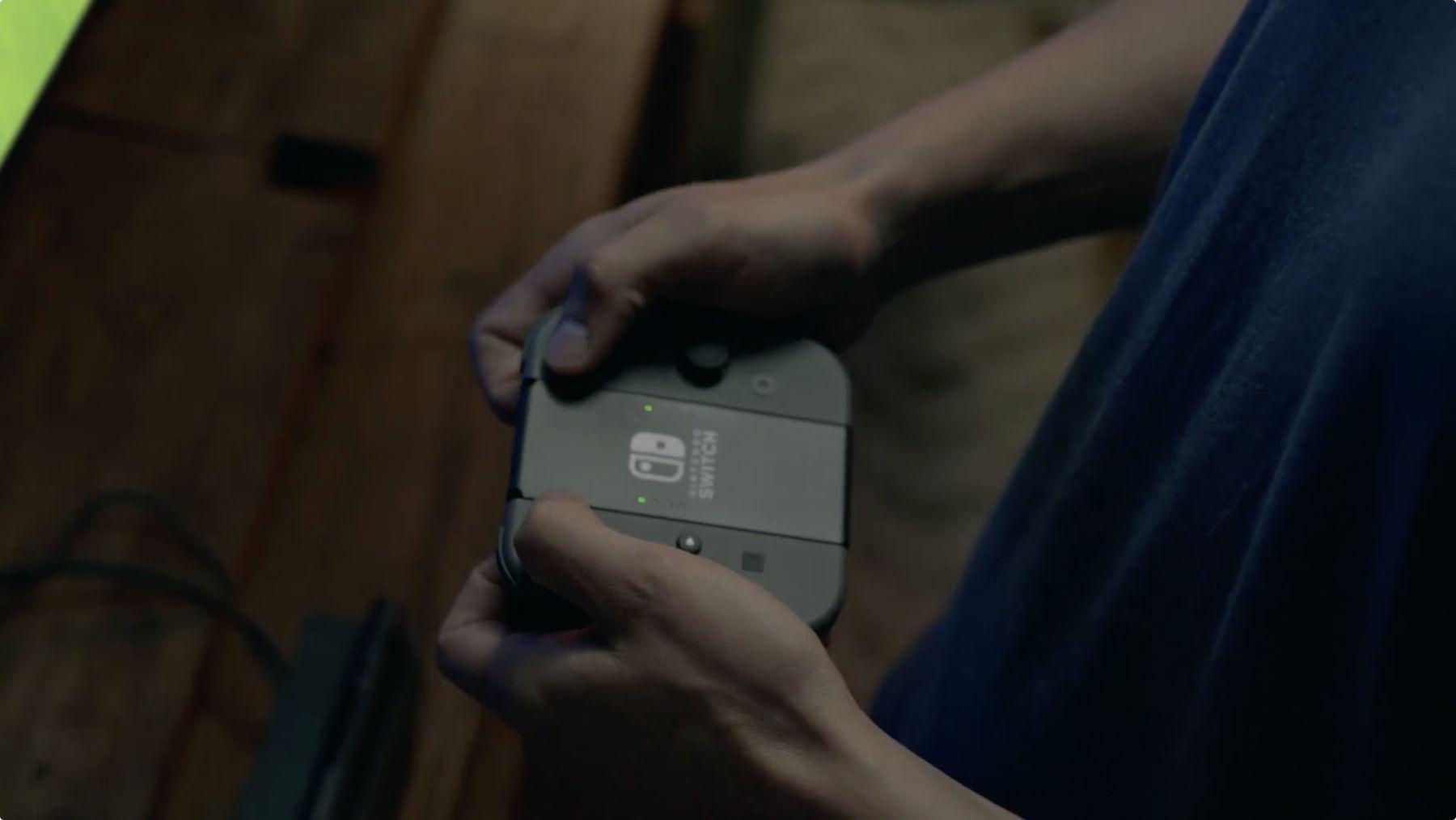 Les contrôleurs Joy-Con de la Nintendo Switch se combinent avec le Joy-Con Grip