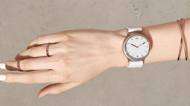 La Misfit Phase reprend vraiment la conception d'une montre traditionnelle