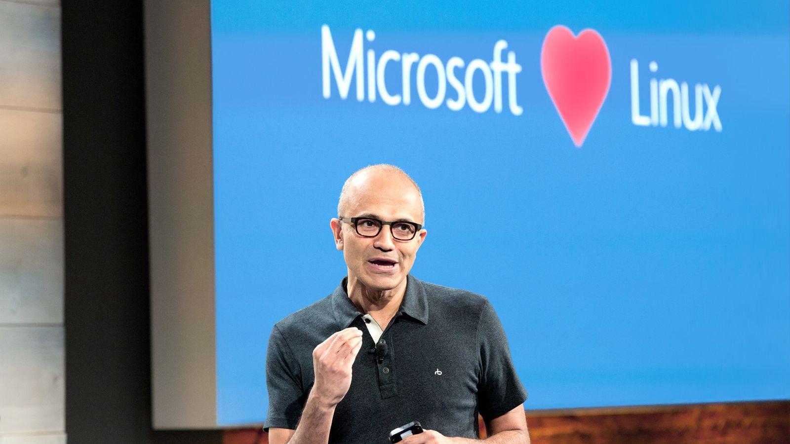 Microsoft devient membre de la 'tumeur cancéreuse' Linux Foundation