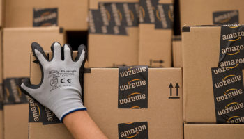 o-amazon-delivery-facebook1