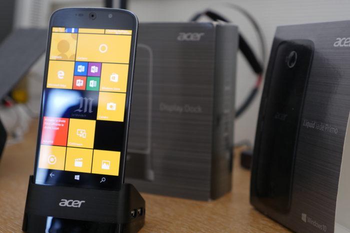 Le Acer Jade Primo arrive avec divers accessoires pour Continumm
