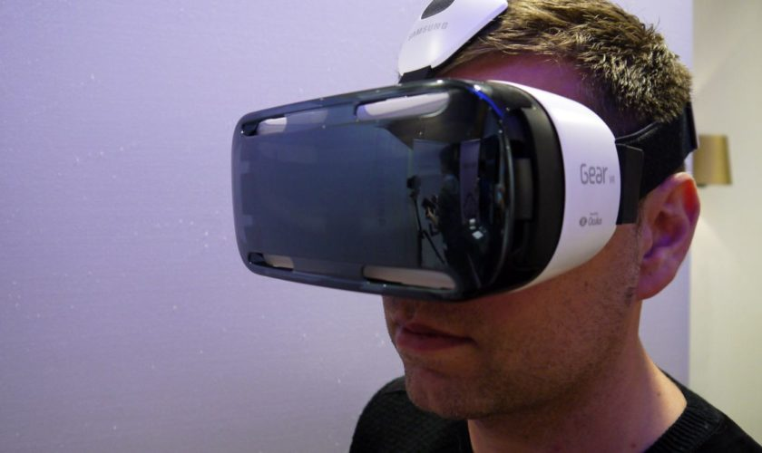 samsung's-gear-vr-virtual-reality-headset