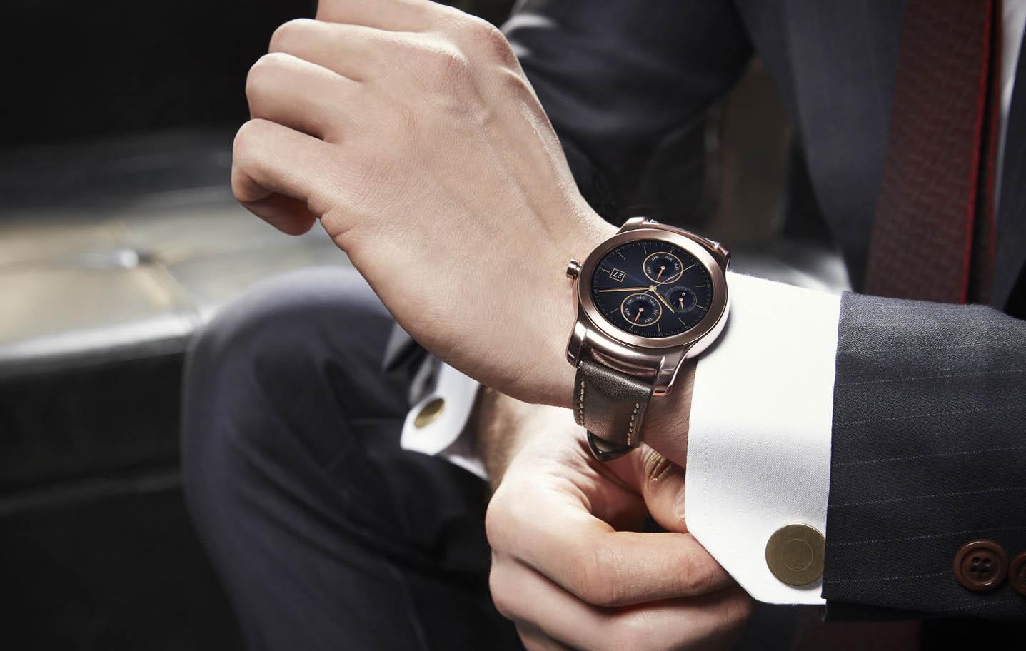 Les premières smartwatches Android 2.0 se font la malle — LG Watch