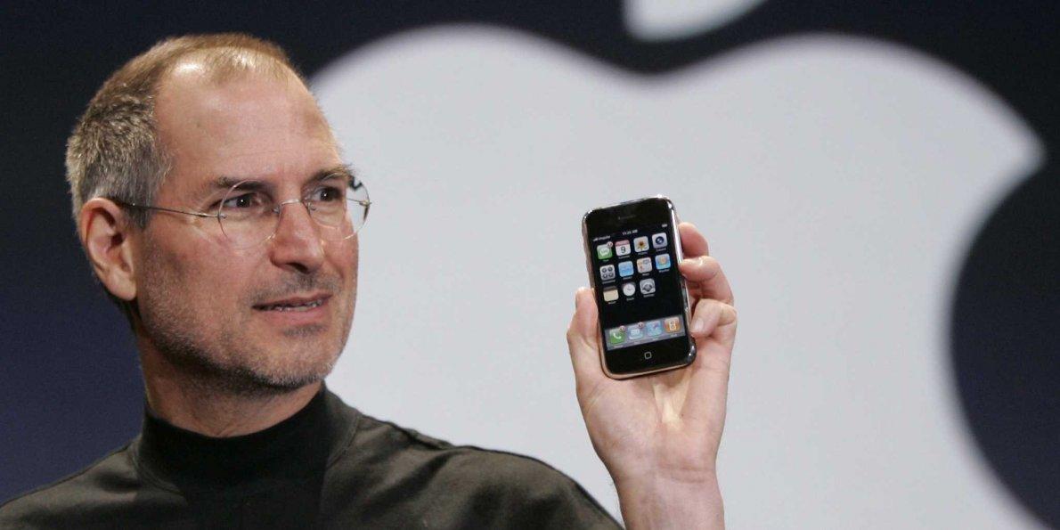 Steve Jobs voulait intégrer un bouton Retour — IPhone