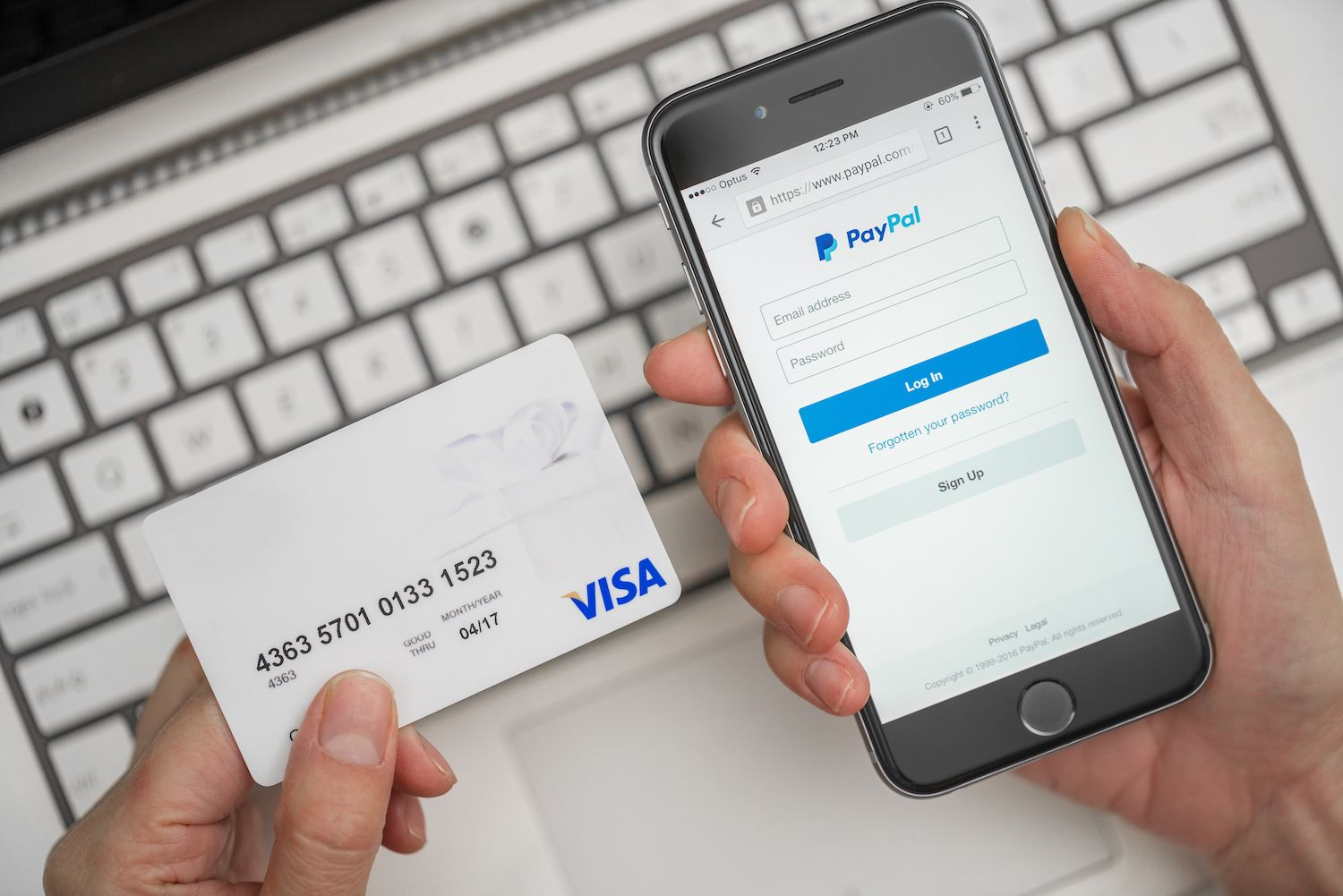 Comment payer à travers PayPal ?