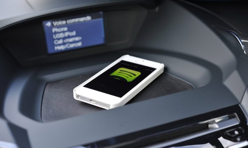 iphone-spotify-ford-focus-dashtop-featured-image
