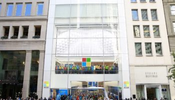 Flagship-Microsoft-Store-on-Fifth-Avenu-in-New-York-Grane-Opening-1024×682