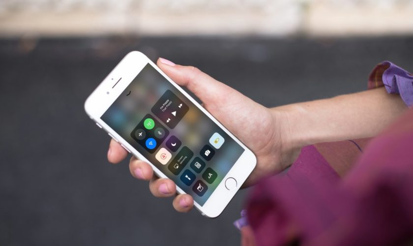 ios-11-control-center-iphone-7-mockuuup
