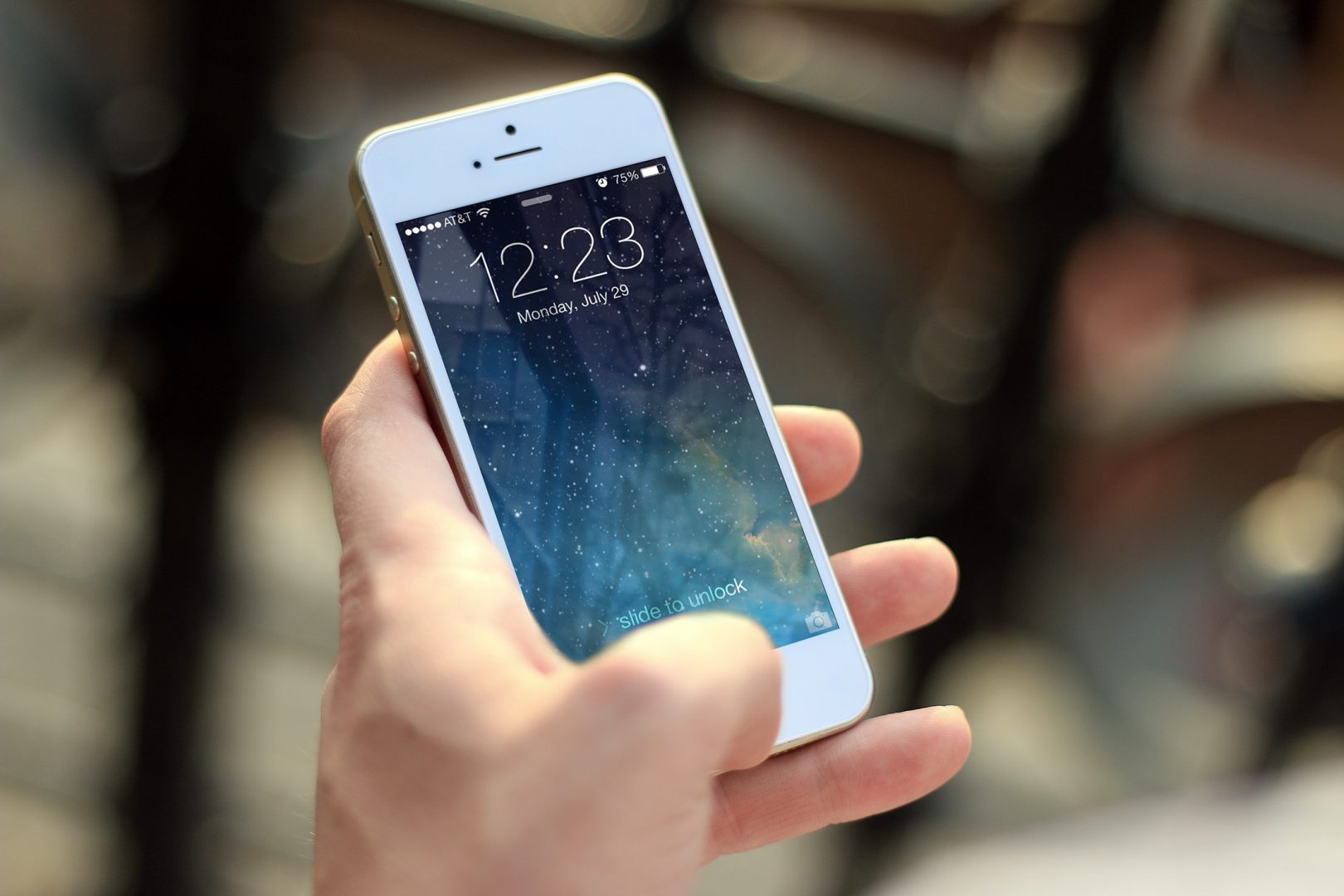 Déjà la fin de l'OLED pour une technologie plus avancée — Apple
