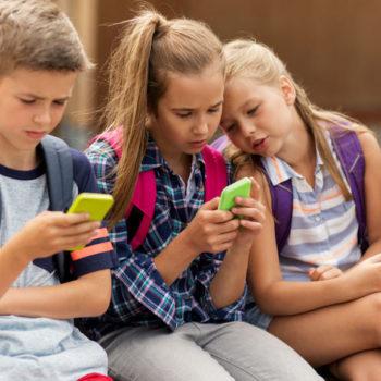 Kids-on-smartphones-tech-children-school