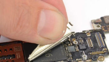 iPhone-5-teardown-iFixit-A6-chip