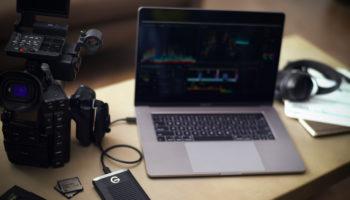 G-Drive-mobile-Pro-SSD-withMacBookPro-Desk-v3-LifestyleImage-NoLogo-HR
