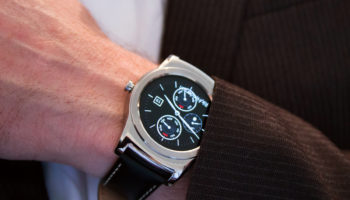 140015-smartwatches-news-is-lg-about-to-launch-a-round-android-wear-2-0-smartwatch-image1-6sq5Cv7HcX