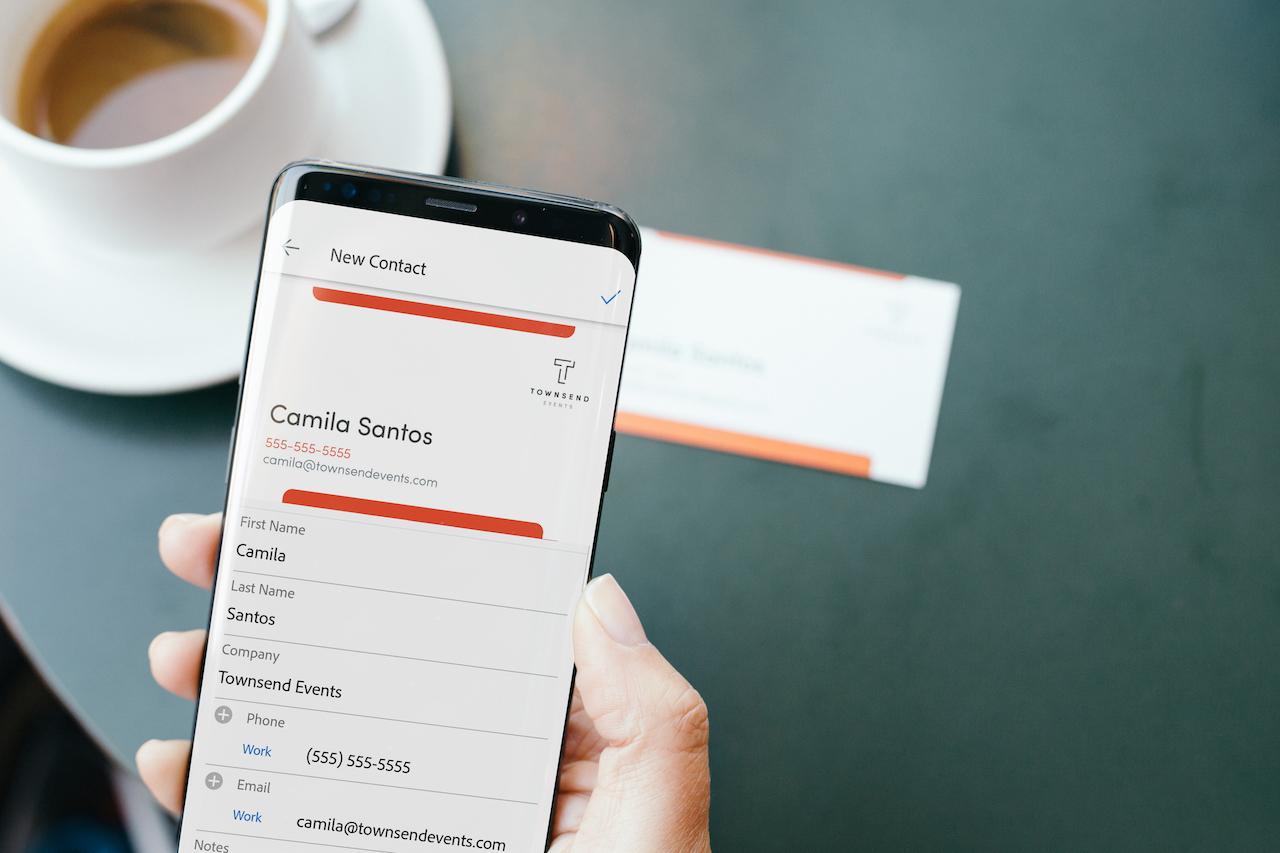 Adobe Scan Transforme Automatiquement Les Cartes De Visite En Contacts Tlphoniques
