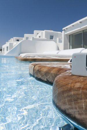 38822054_SI06826_180823_Greece_Travel_Launch_2018_GOPR3807_master-e1537429585347