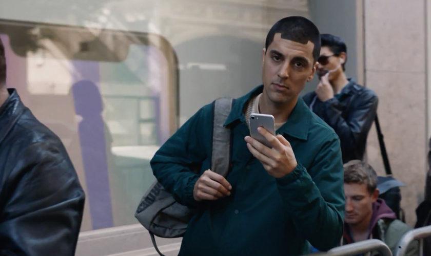 Samsung-mocks-Apple