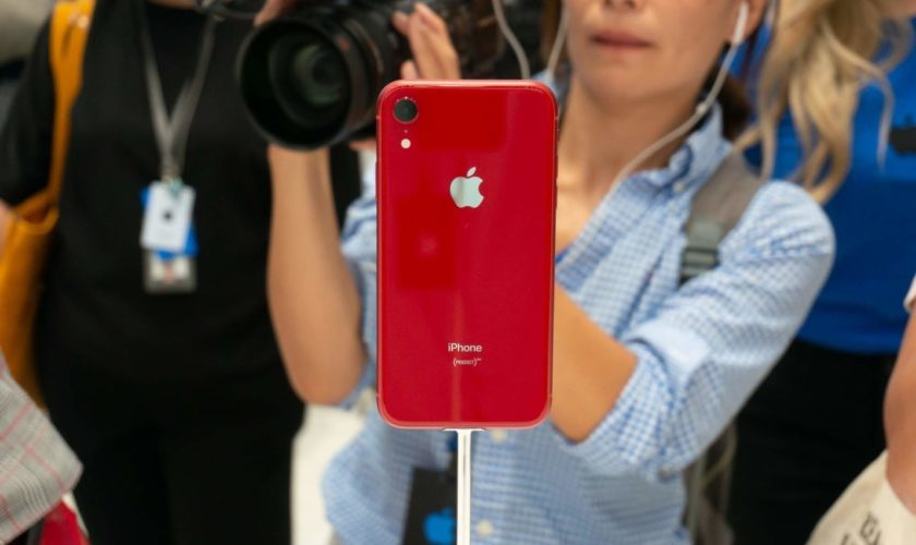 book-iphone-xr-online-from-apple-store